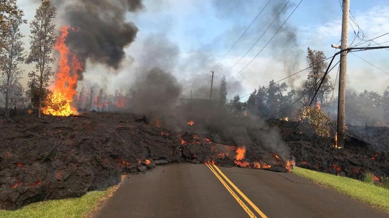 На Гаваях оголошено червоний рівень небезпеки: острів накрило лавою (опубліковані шокуючі фото) (1)