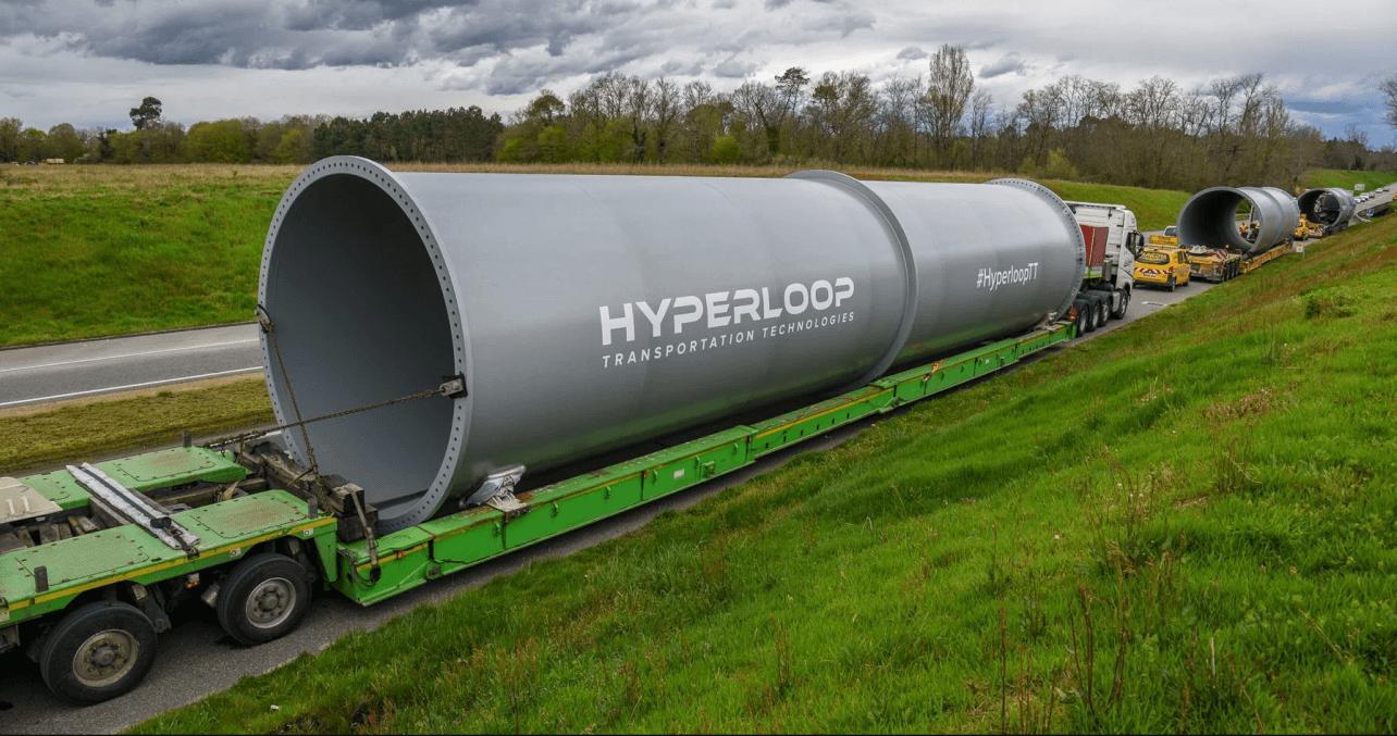 Hyperloop и летающие автомобили сразятся за будущее транспорта