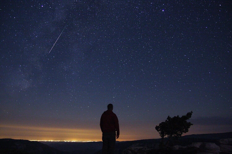 Чем занять вечер? Отправьтесь фотографировать метеориты по рецепту от NASA