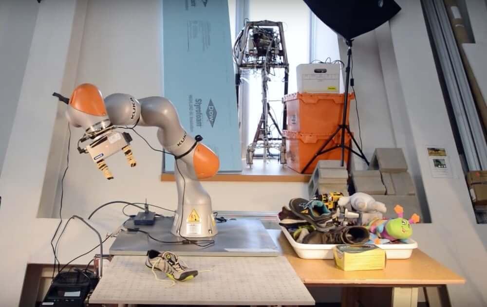 ИИ от MIT обучит роботов манипулировать объектами, которые они видят в первые