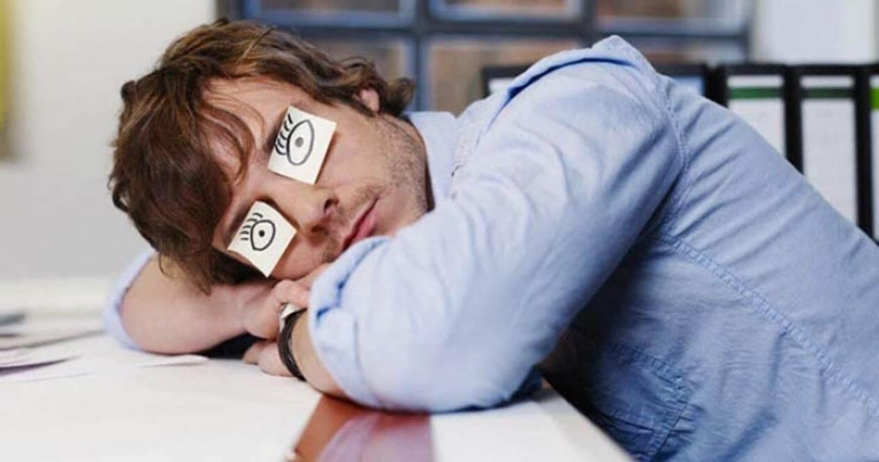 Помогает ли от храпа сон на боку?