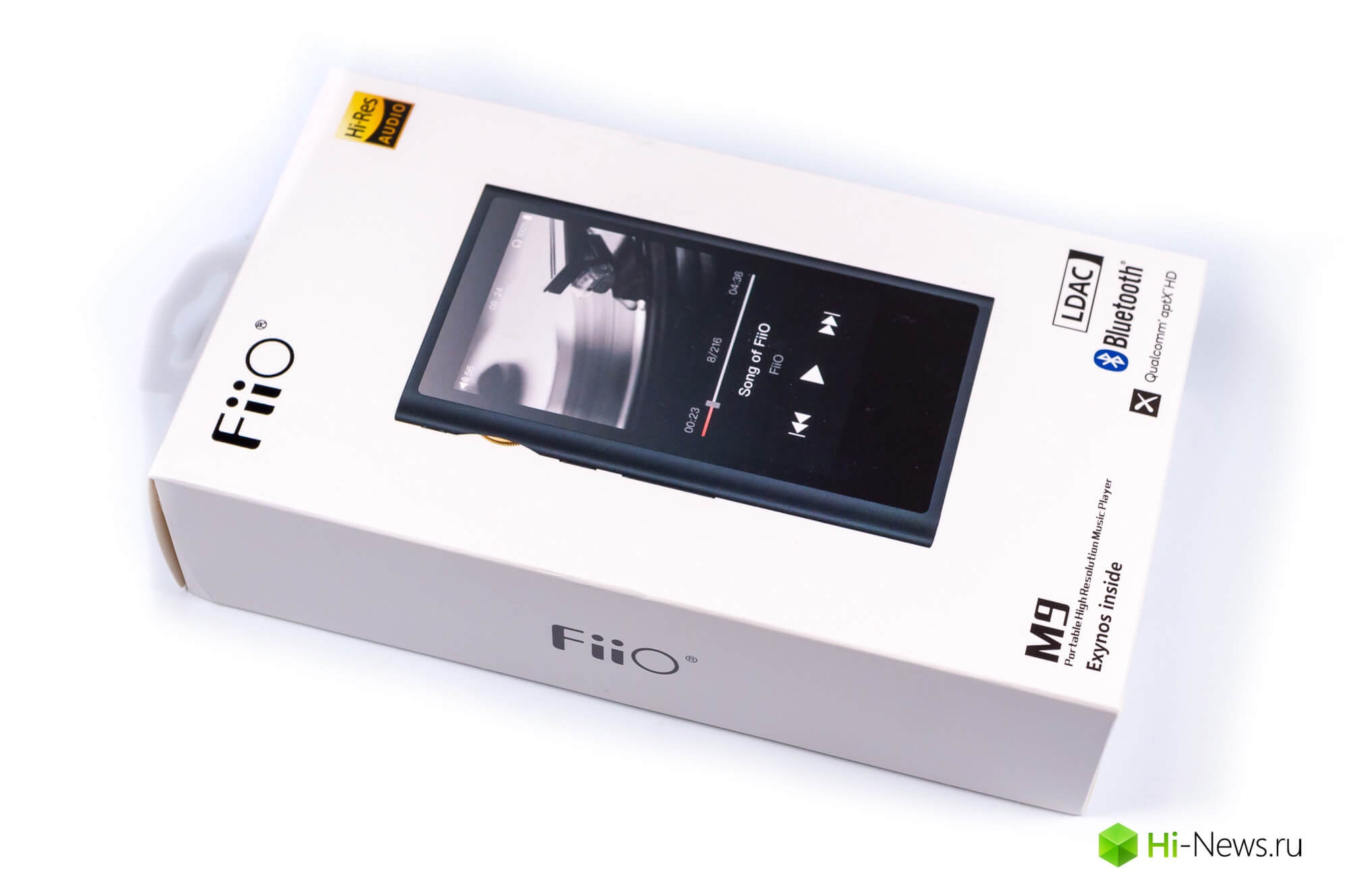Review of FiiO player M9 — modern features without