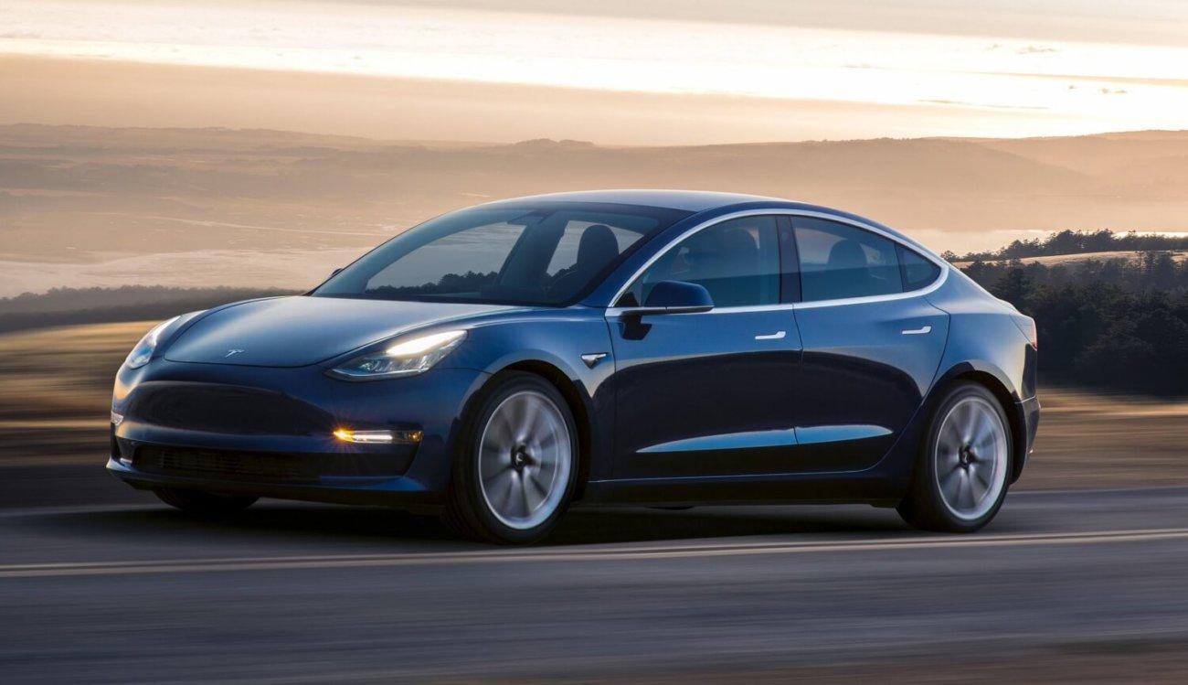 Хакеры получат деньги и автомобиль за взлом Tesla Model 3