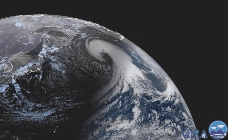 Шторм в Тихом океане GOES-17