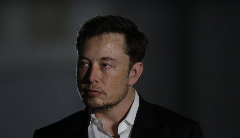 Tesla потеряла миллиард долларов за 2018 год, но Илон Маск не унывает