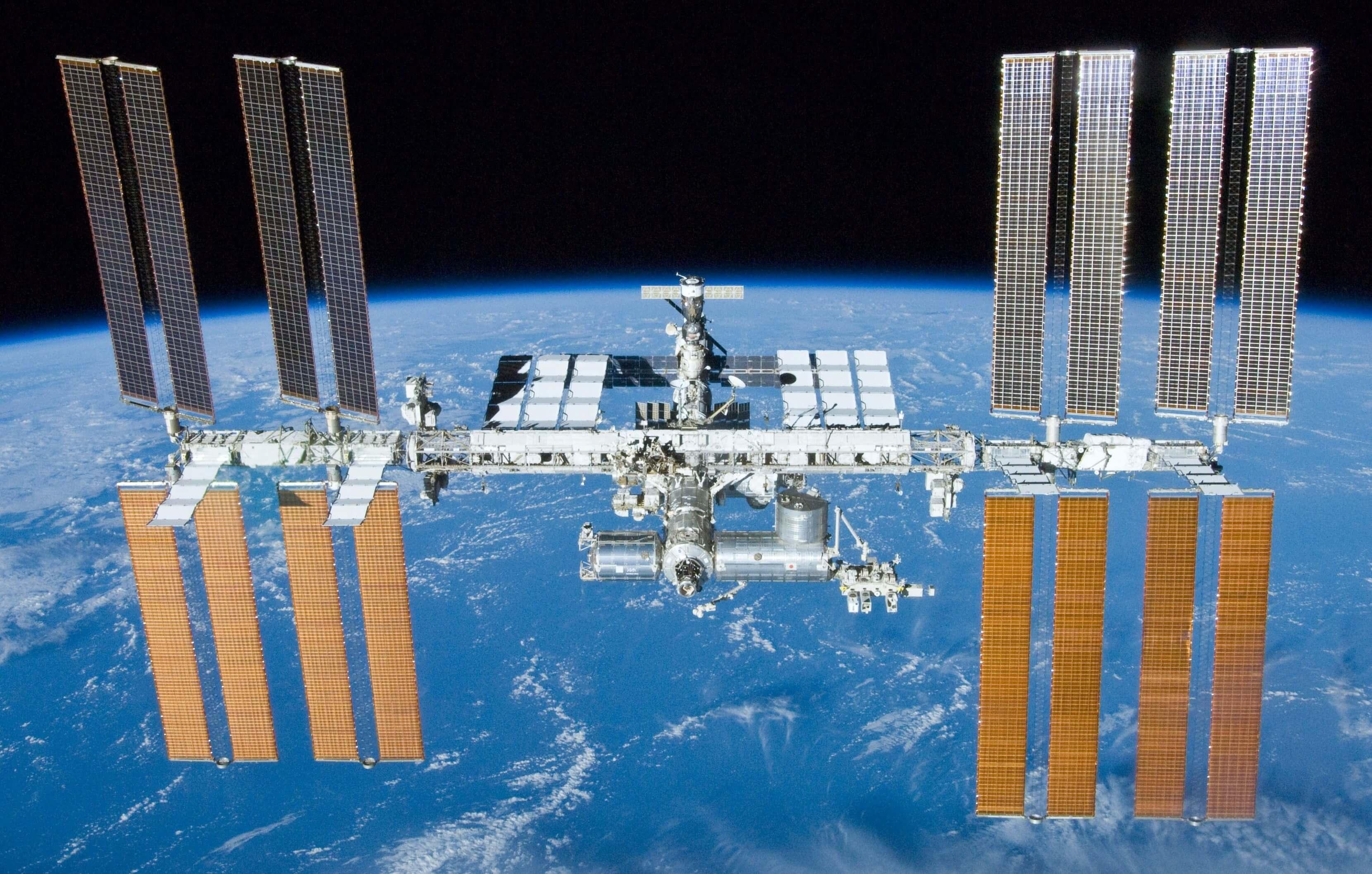 Как работа на МКС и Луне поможет в подготовке людей к полетам на Марс