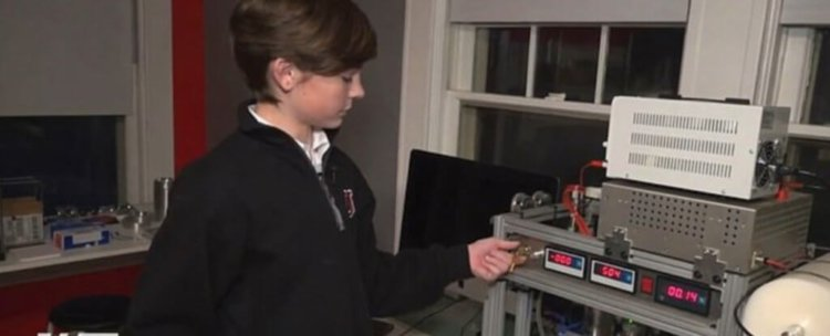 13-летний Джексон Освальт стал самым молодым человеком, построившим термоядерный реактор