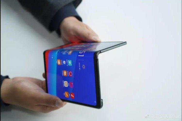 Oppo не выдержала и тоже показала свой складной телефон