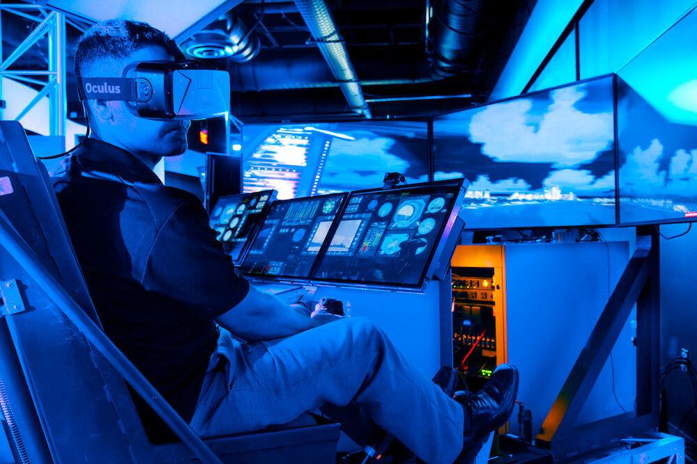 Летчиков начнут обучать в виртуальной реальности