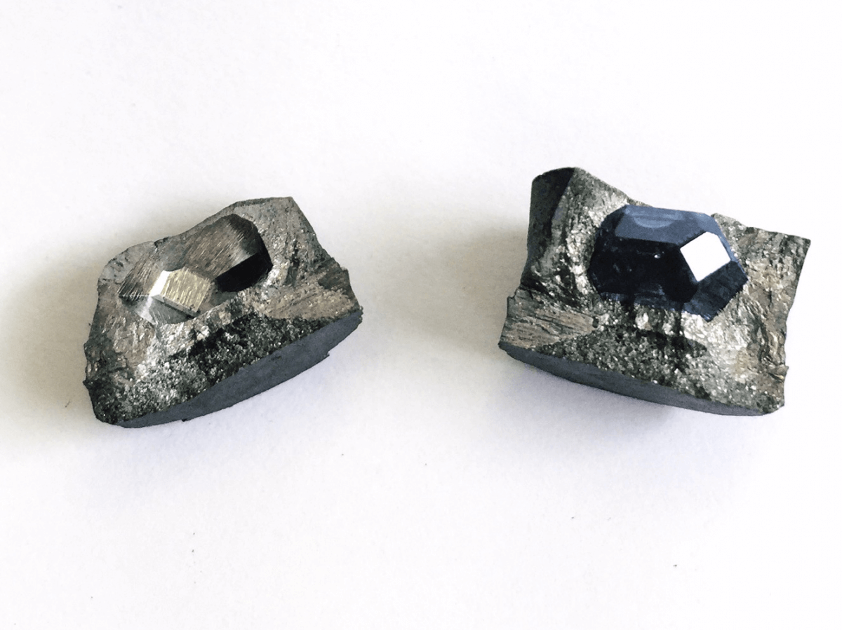 Бриллиант из праха