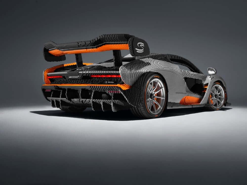 Автомобиль McLaren Senna из конструктора Lego