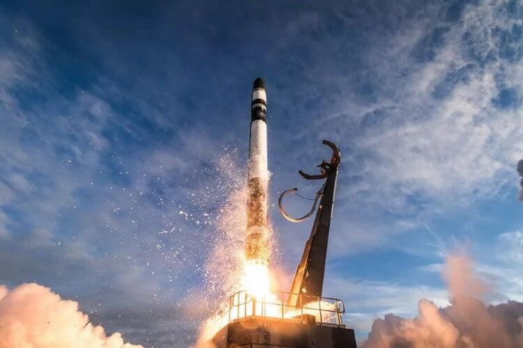 Новости высоких технологий: первая фотография черной дыры