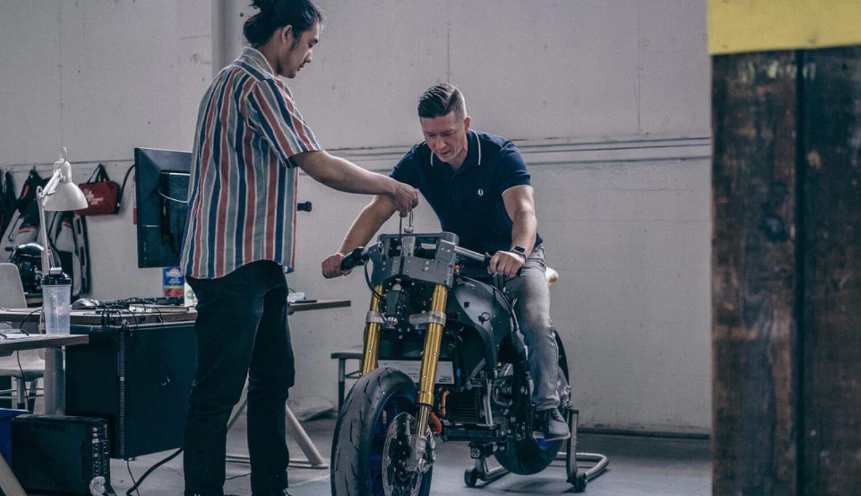 Канадский стартап создает мотоцикл нового поколения с 5G и коллективным обучением