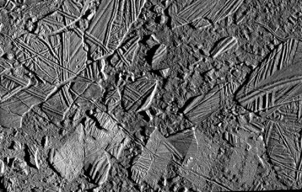 На Европе нашли поваренную соль. Что это означает для жизни возле Юпитера?