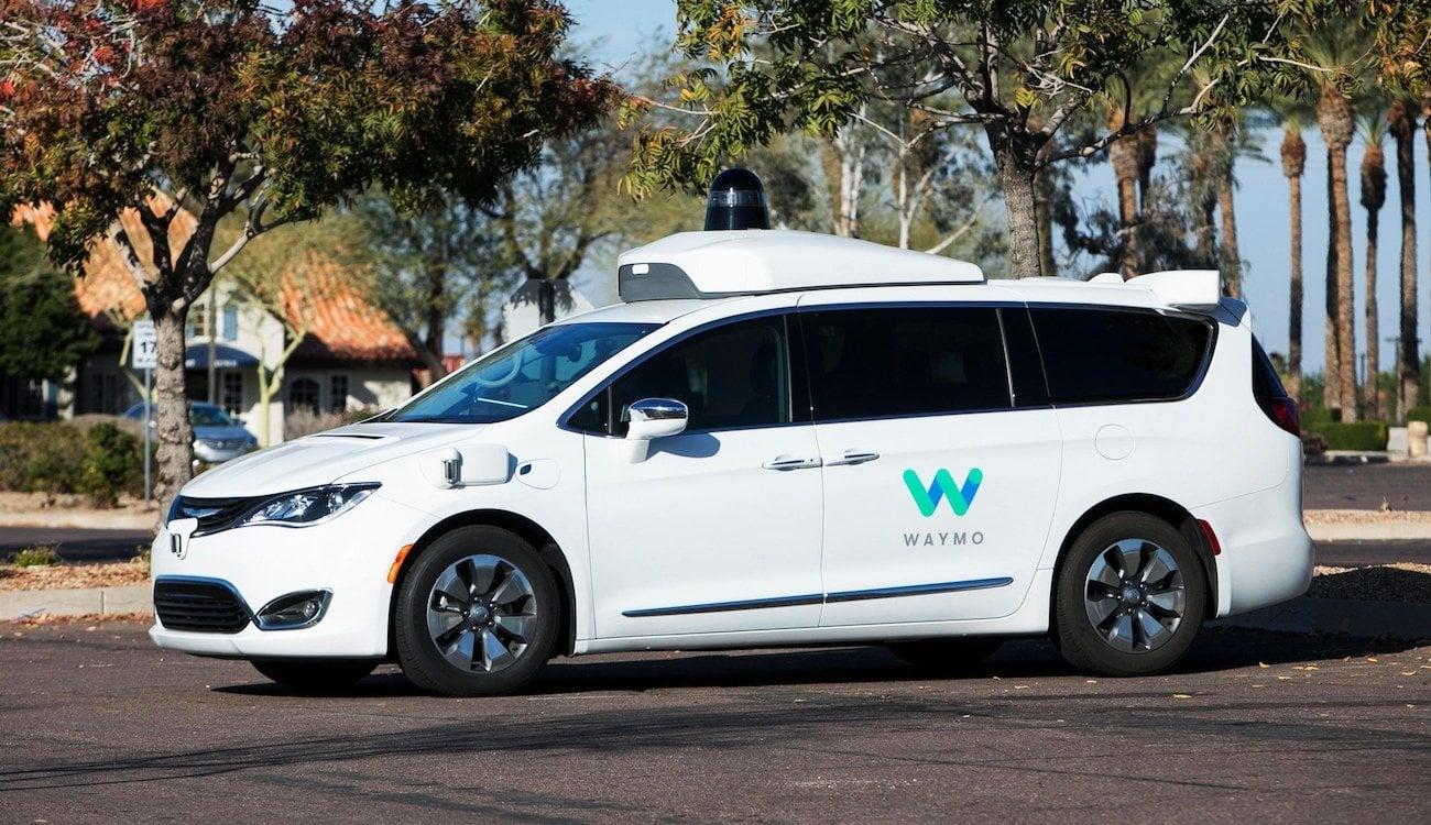 Беспилотные автомобили Waymo проехали более 16 миллиардов километров… но не по земле