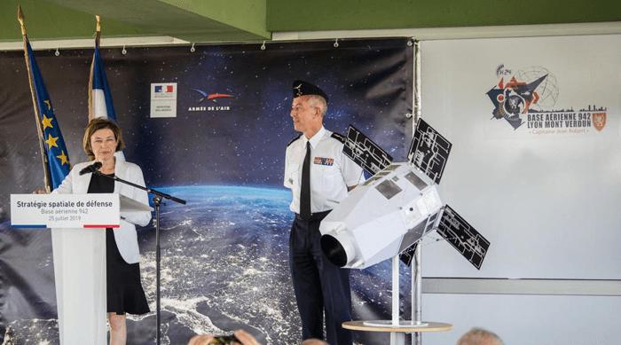 Франция планирует отправить в космос боевые лазеры. Зачем?