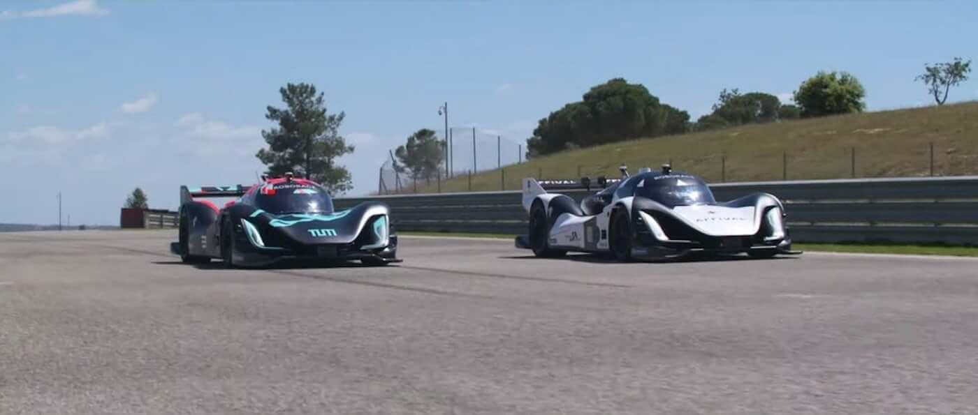 Состоялась первая гонка с участием беспилотных гоночных болидов. Но до Формулы-1 ей далеко