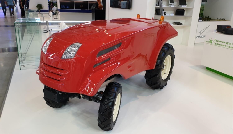 В России показали первый беспилотный трактор