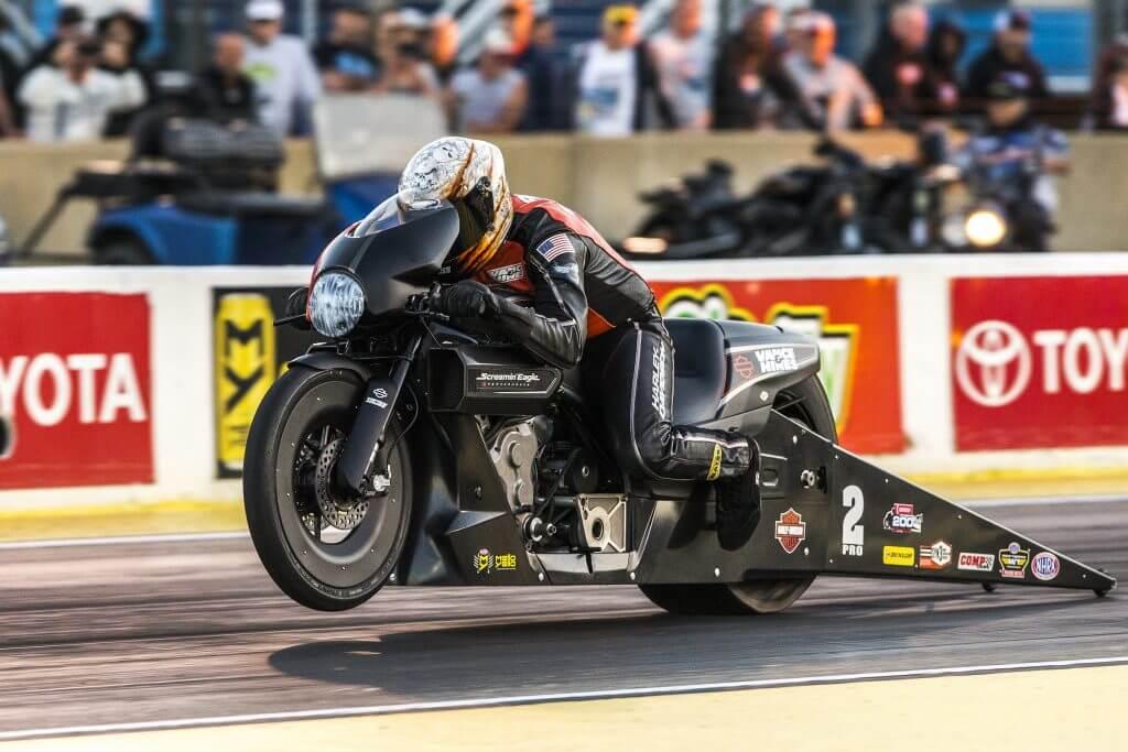 #видео | Можно ли выжить после падения с мотоцикла на скорости 346 км/ч?