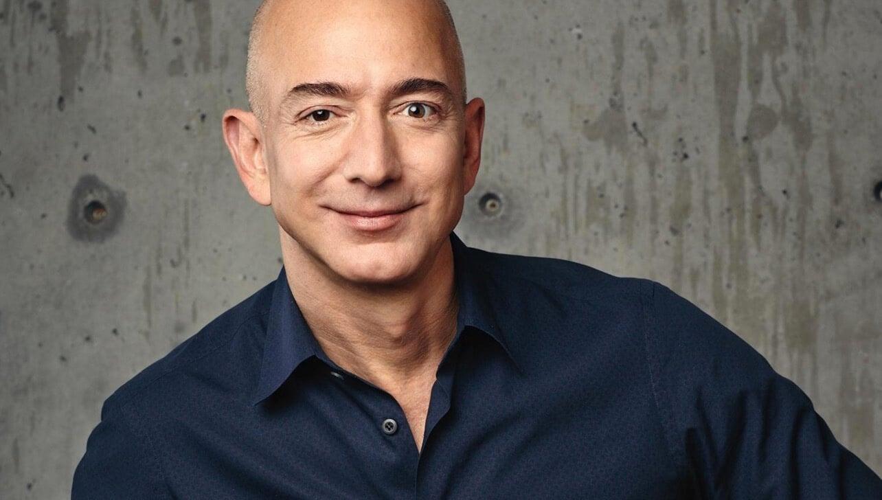 Сколько зарабатывает самый богатый человек на Земле?