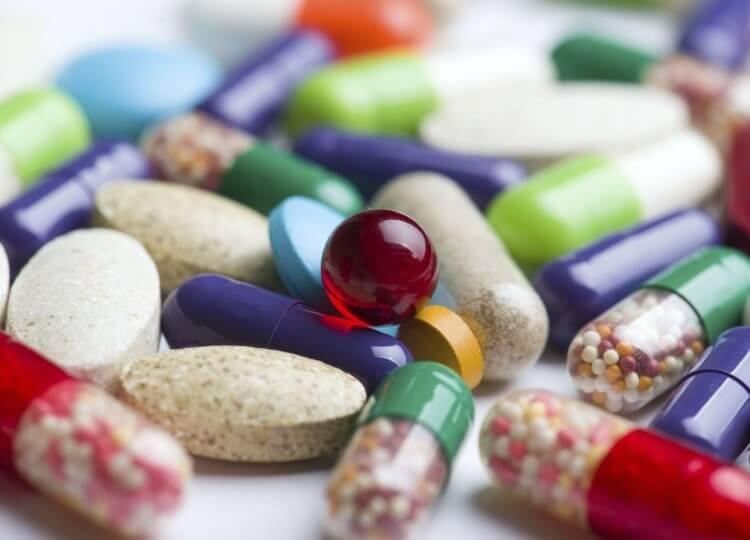 Что делать с просроченными лекарствами?