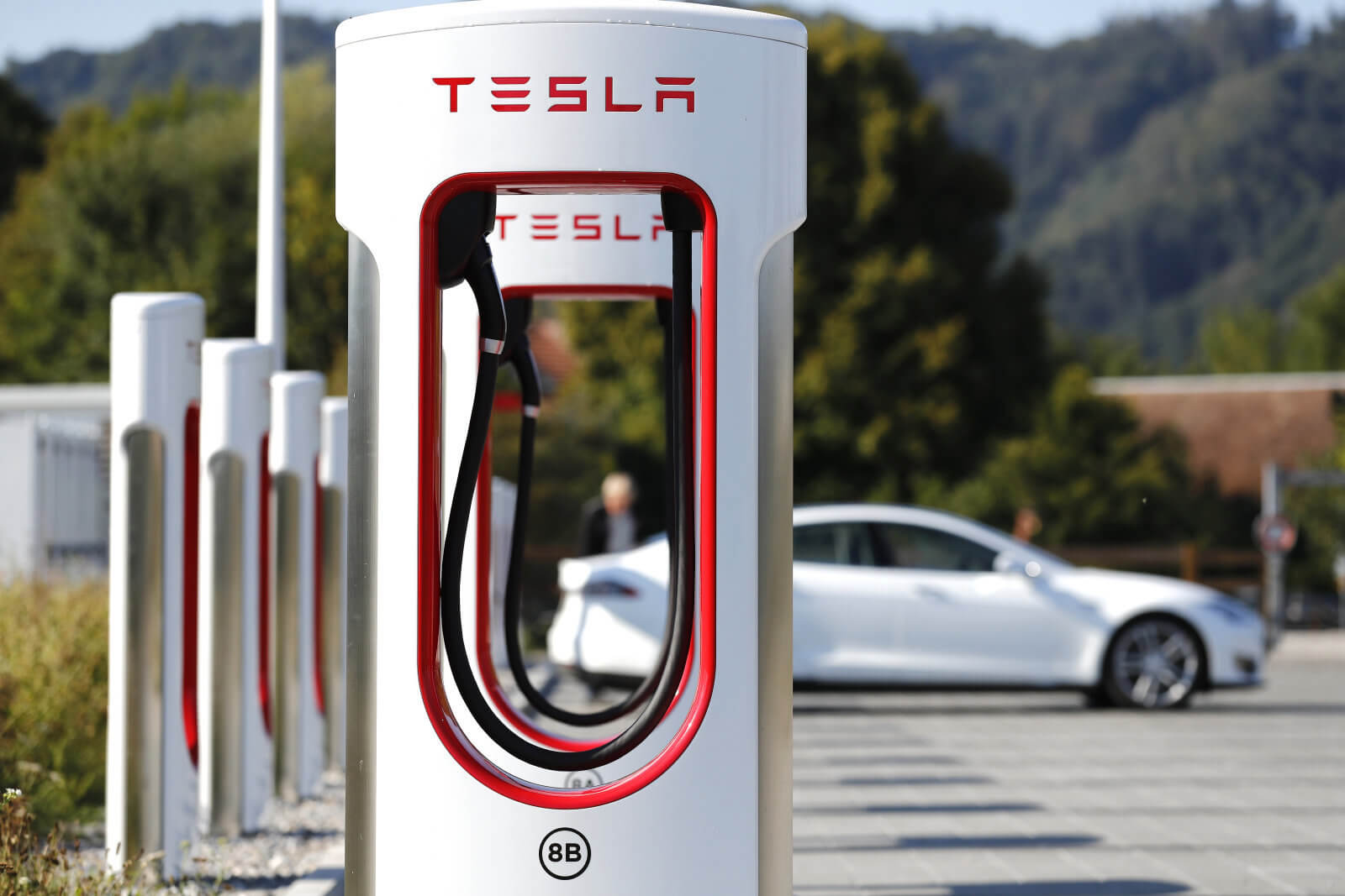 Новый тип аккумулятора позволит электромобилям проехать почти 2400 километров без подзарядки
