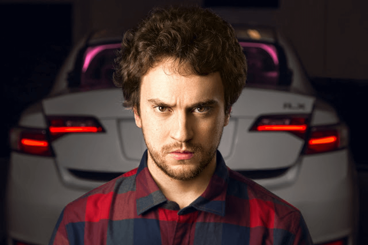 Как создать самоуправляемый автомобиль после взлома iPhone