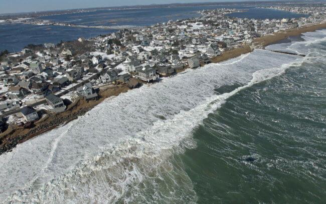 Повышение уровня моря - сигнал того, что изменение климата не остановить. Правда ли это?