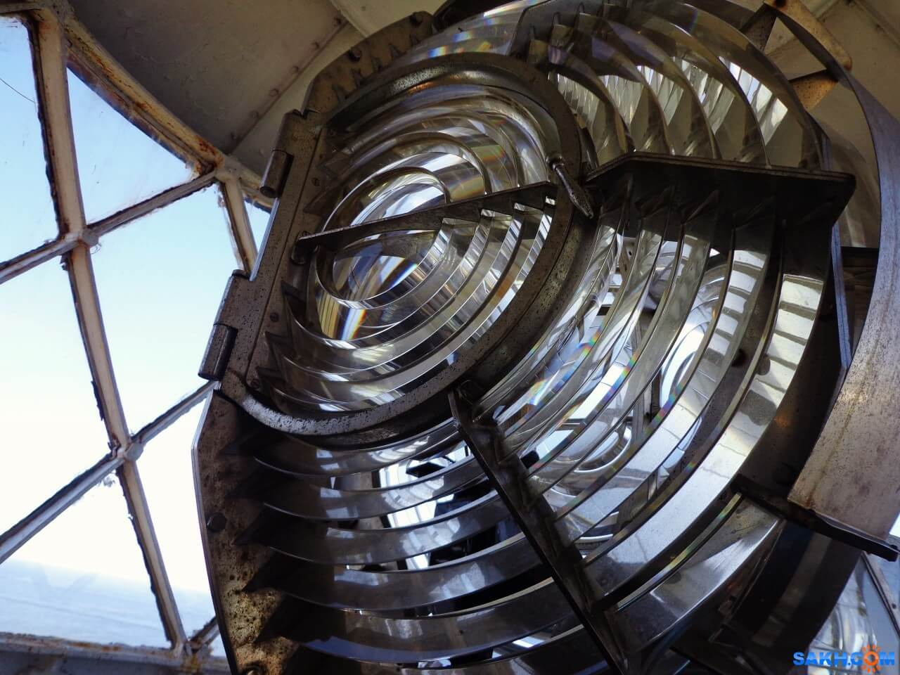 Как работает маяк и зачем он нужен в наше время