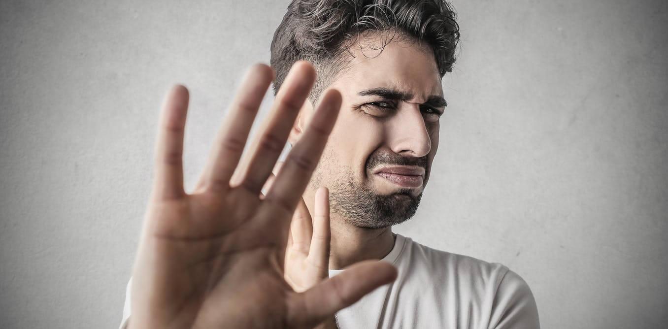 Чувство отвращения связано с религиозными переживаниями, выяснили ученые