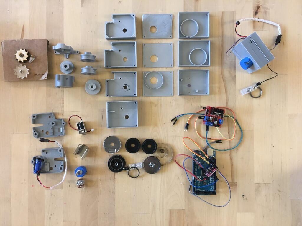 Это устройство поможет людям прикоснуться к объектам в виртуальной реальности