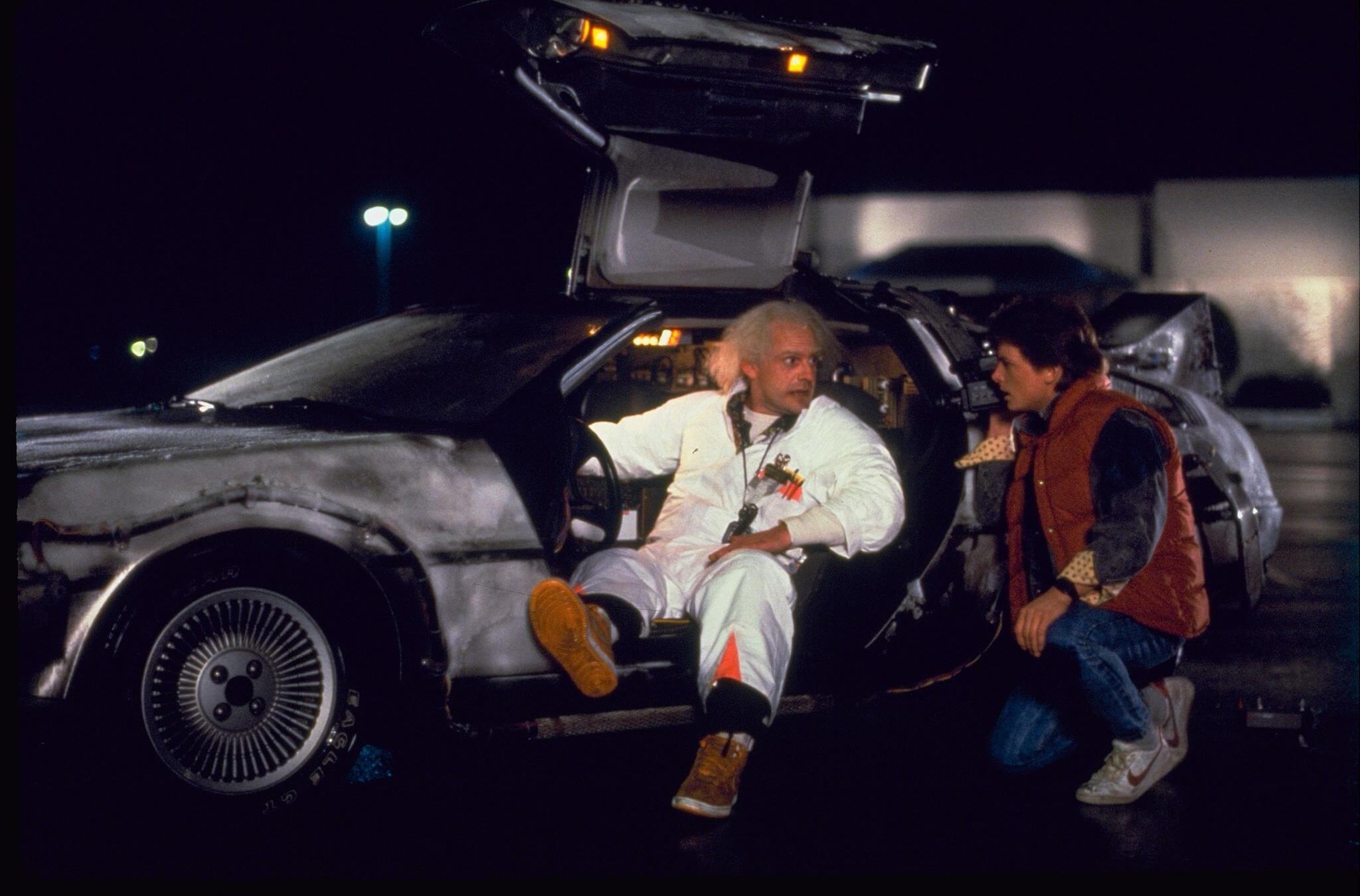 По мнению физиков существует два способа путешествий во времени