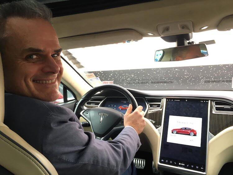 Новая разработка Tesla сделает электромобили почти вечными