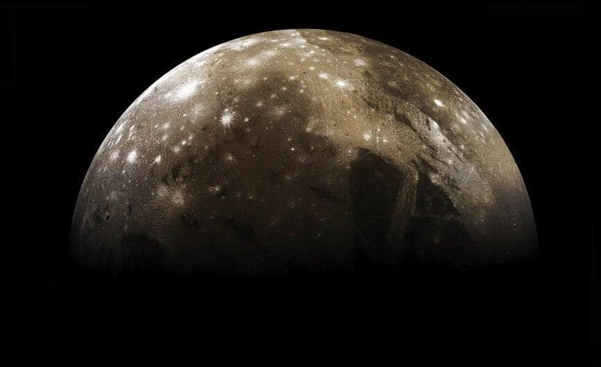 Что такое ударный кратер и какой из них — самый большой в Солнечной системе?