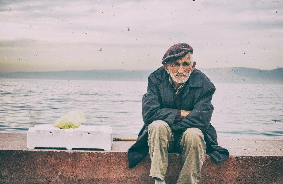 Почему молодые люди и взрослые по-разному ощущают одиночество?