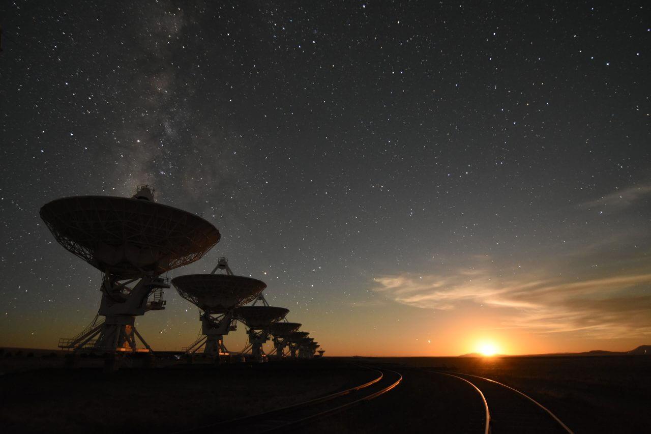 Сколько внеземных цивилизаций может существовать поблизости?