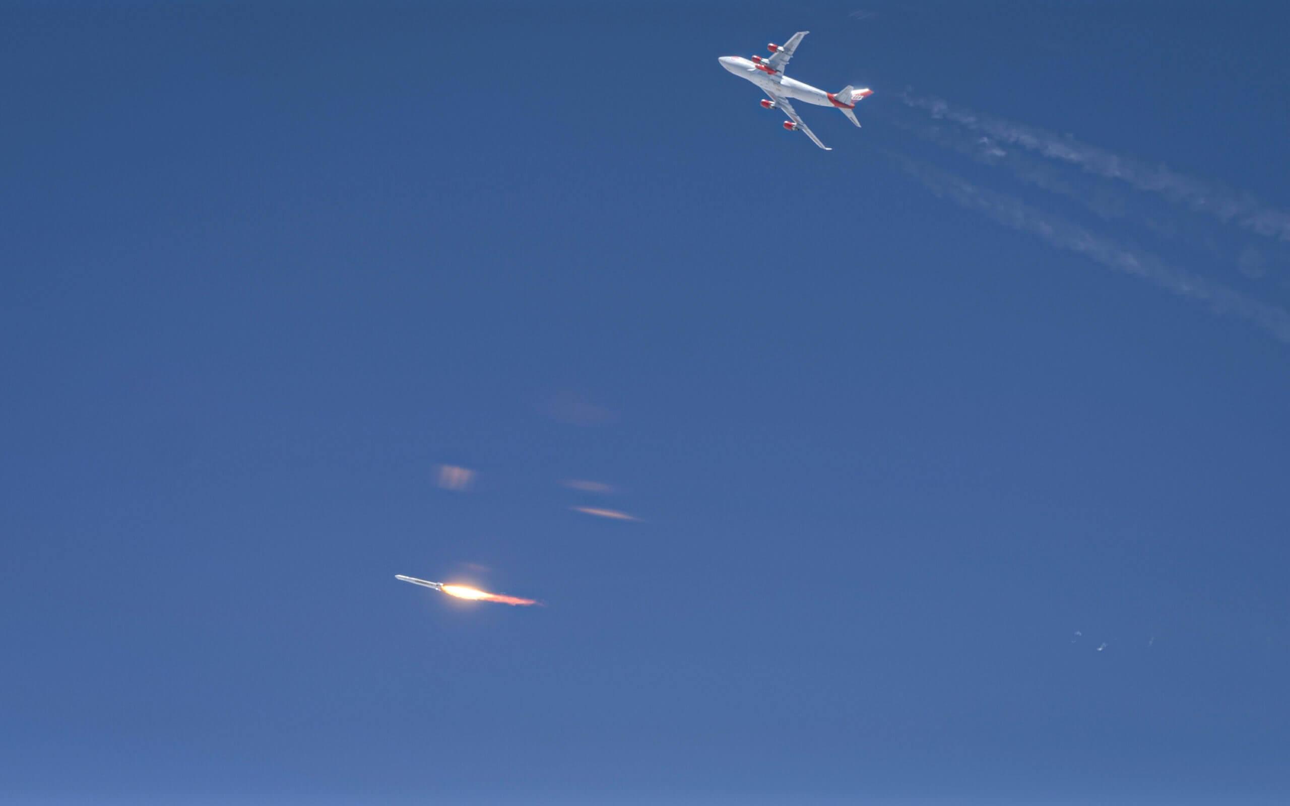 Virgin Orbit запустила ракету в космос с самолета. Но зачем