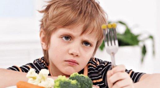 Почему детям нельзя быть вегетарианцами?
