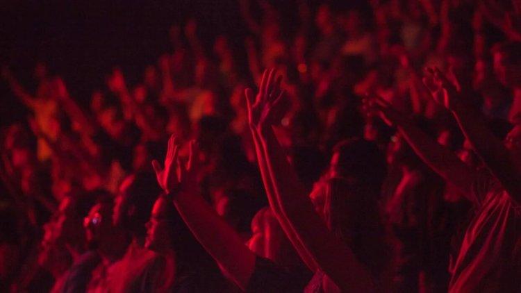 Почему большие группы людей часто приходят к одним и тем же выводам?