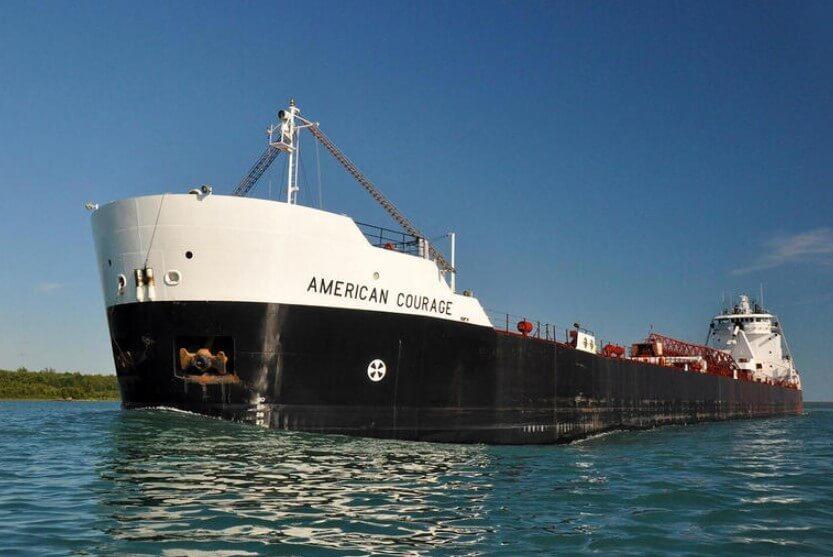 Этот корабль оснащен автопилотом и не нуждается в капитане. Насколько он хорош