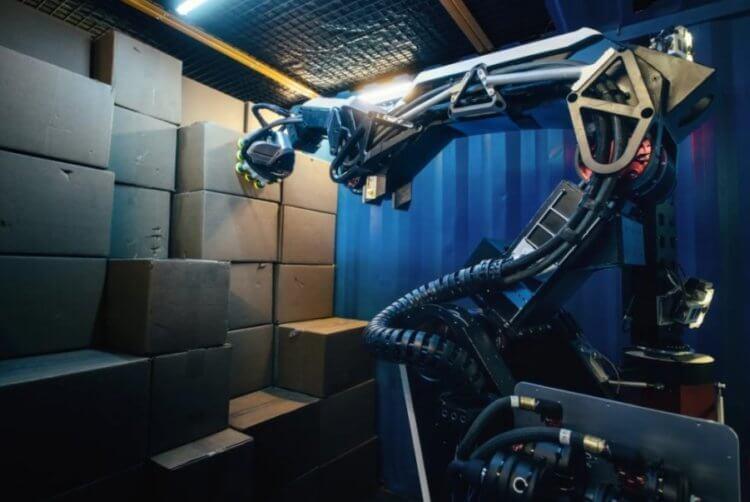 Boston Dynamics представила нового робота. Что он умеет?