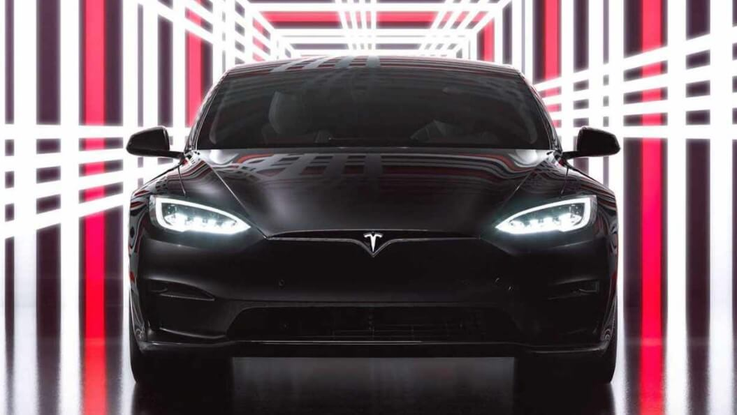Илон Маск представил электромобиль Model S Plaid. Чем он лучше оригинала