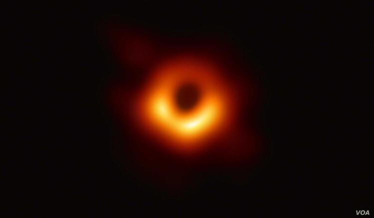 Знаменитый парадокс черных дыр, похоже, получил разрешение. Но все очень сложно