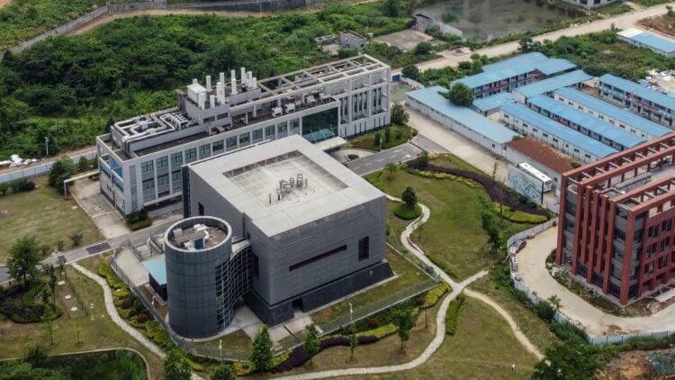 Та самая биолаборатория в Ухане, Китай.