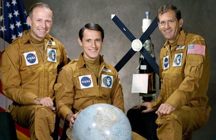 Что делать, если астронавт сошел с ума прямо в космосе?