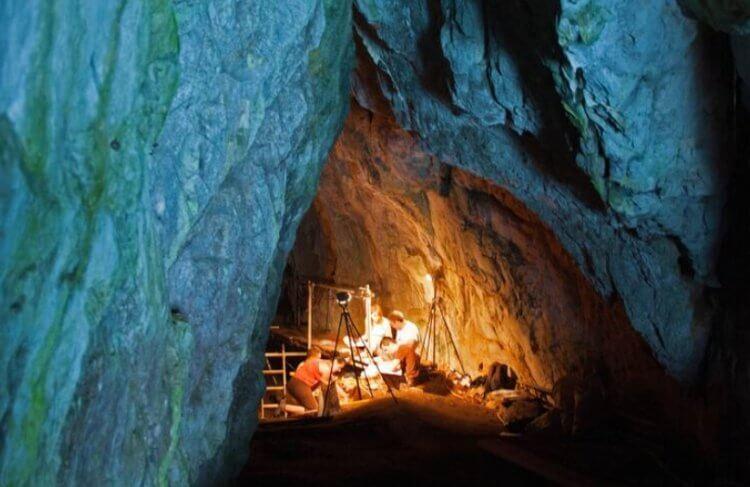 В британской пещере найдена потайная комната. Что внутри?