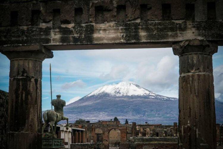 В мире насчитывается по меньшей мере 1500 активных вулканов