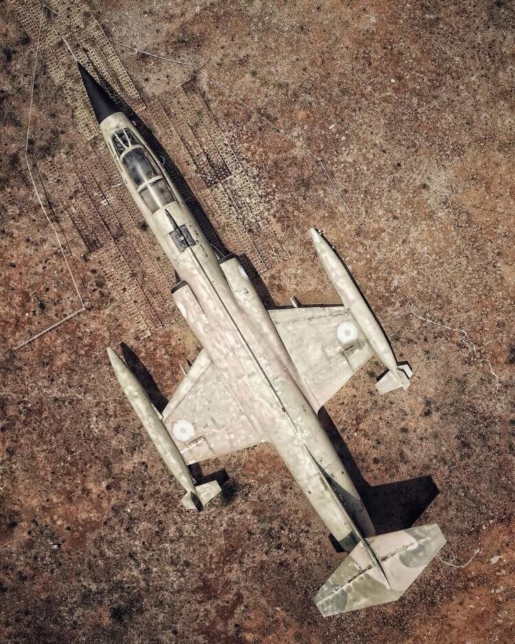 Фото: самолеты, танки и корабли, которые гниют в разных уголках мира