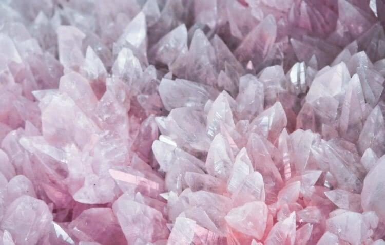 Ученые впервые сфотографировали кристаллы Вигнера. Рассказываем что это такое и как физикам это удалось