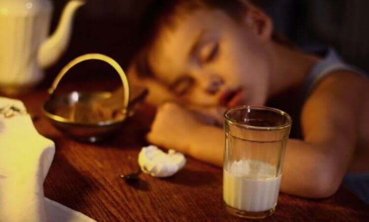 Полезно ли пить молоко перед сном?